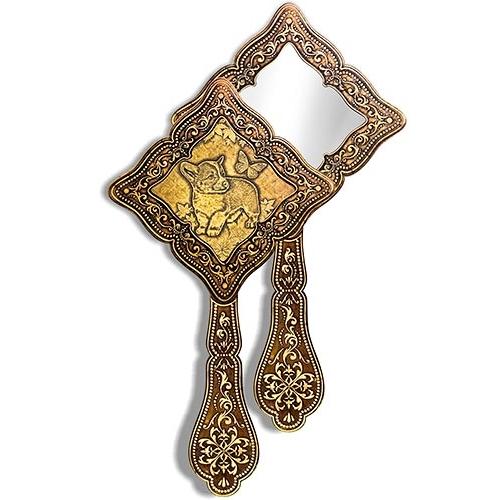 Зеркало фигурное с ручкой Щенок и бабочка (береста, тиснение, дерево)
