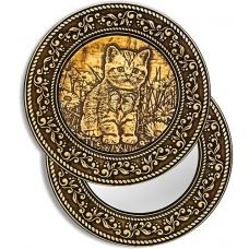 """Зеркало круглое """"Котенок и бабочка"""" (береста, тиснение, дерево)"""