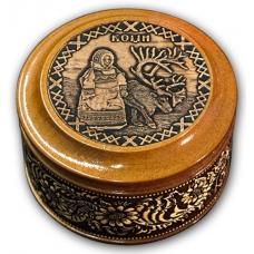 Шкатулка деревянная круглая с накладками из бересты Коми-Девочка и олень 70х46