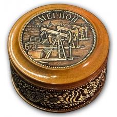 Шкатулка деревянная круглая с накладками из бересты Мегион-Качалка 70х46