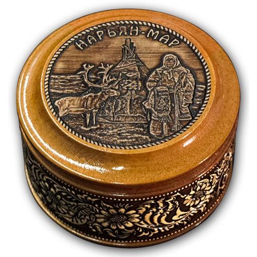 Шкатулка деревянная круглая с накладками из бересты Нарьян-Мар-Чум и олень 70х46