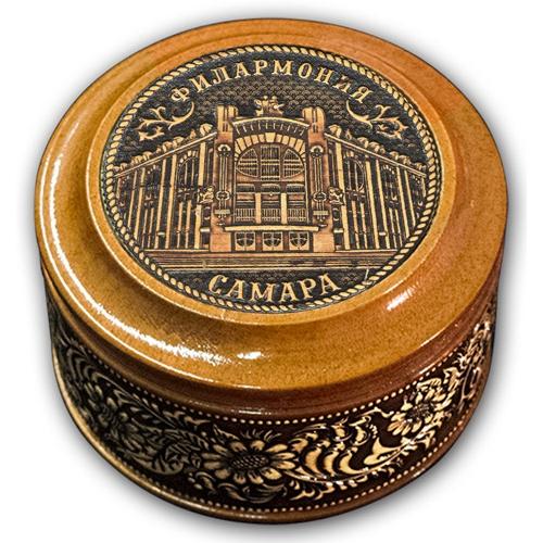 Шкатулка деревянная круглая с накладками из бересты Самара-Филармония 70х46
