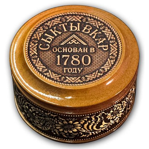 Шкатулка деревянная круглая с накладками из бересты Сыктывкар-Год основания 70х46