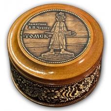 Шкатулка деревянная круглая с накладками из бересты Томск-Памятник А. П. Чехову 70х46