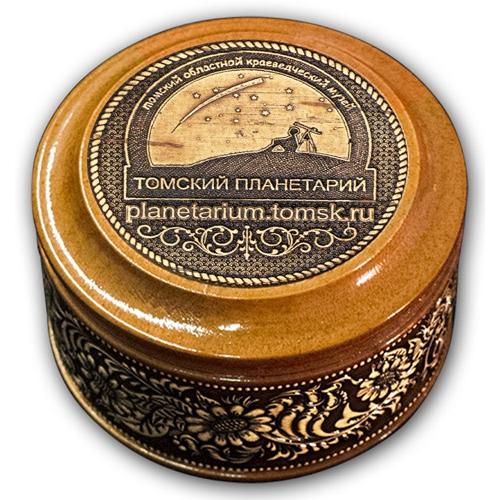 Шкатулка деревянная круглая с накладками из бересты Томск-Планетарий (ссылка сайта) 70х46