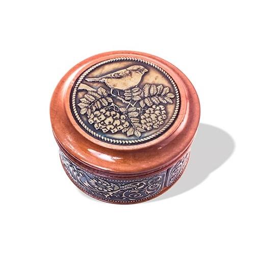 Шкатулка деревянная круглая с накладками из бересты Снегирь на рябине 70х46
