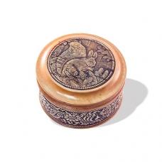 Шкатулка деревянная круглая с накладками из бересты Белка 58х39