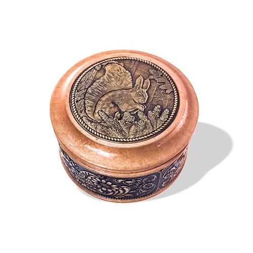 Шкатулка деревянная круглая с накладками из бересты Белка 70х46