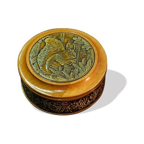 Шкатулка деревянная круглая с накладками из бересты Белка 95х48
