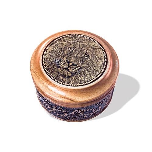 Шкатулка деревянная круглая с накладками из бересты Лев 70х46